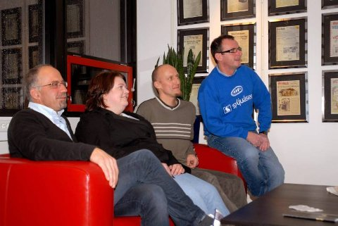 SER framover: Interimsstyret i Gjøvik FF har store visjoner for framtiden. Fra høyre Jørg Terje Sagenes, Sturla Kollshaugen, Marianne Aashaug og Rune Kollshaugen.foto: line ramsrud