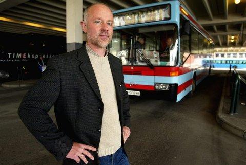 ÉN MILLION PASSASJERER: Direktør i Østfold kollektivtrafikk, Jostein Haug, kan glede seg over at Glommaringen vil frakta passasjer nummer én million i år i løpet av torsdagen. (Foto: Johnny Helgesen)