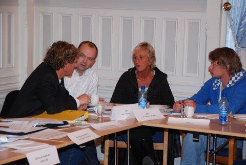 Rødts bystyregruppe: (f.v.) Knut Henning Thygesen, Dag Thorvaldsen, Liv Jorunn Høiberg og Rune Hansen.