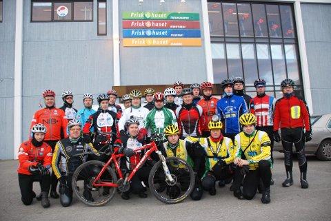 Team Polarcirkelen: Det hardtsatsende laget startet treningen ved Friskhuset på Mo. Foto: Kjell Arne Jørgensen