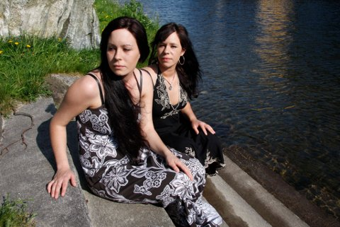 Søstrene Tessa Milde (t.v.) og Jane Iren Milde har ulike stemmer og ulik musikksmak.