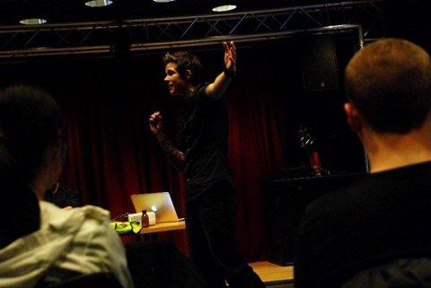 Anja Edin er utdannet lærer og driver eget foredragsfirma kalt «Fearless». Denne uken engasjerte hun omsorgstjenesten på Grünerløkka i Oslo