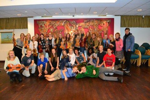 Flittige ungdommer øvde i Ås kulturhus i helgen