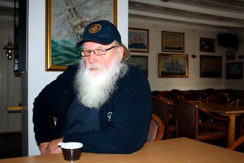 Det blir mange kopper kaffe på Anton Smith der har tilbringer en del av fritiden sin i sjømannsforeningen i Brevik. Han venter spent på avgjørelsen som faller i Menneskerettsdomstolen i Strasbourg torsdag 6. desember.
