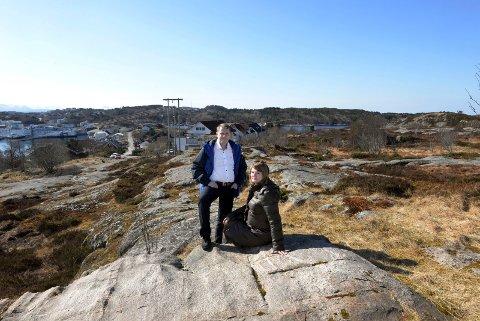 Forhåndssalg: Daglig leder Trude Larsen i Skorpa Eiendom og megler RuneJohansen i KBBL er spente på utfallet av forhåndssalget av tomter på Skorpa.