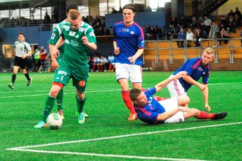 Ole Strømsborg og Kvik Halden skapte veldig lite i Vallhall Arena, og tapte fortjent 0-2 for Vålerenga 2 i serieåpningen.