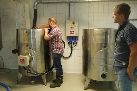 Mange trinn: Når ølet brygges skal det igjennom flere forskjellige tanker.
