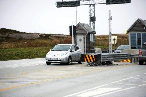 Taper mest: Atlanterhavstunnelen er det bompengeselskap i landet som taper størst andel av sine inntekter på at elbilene kjører gratis. Det dreier seg om 9,8 prosent inntektstap. Foto: Bjørn A. Hansen