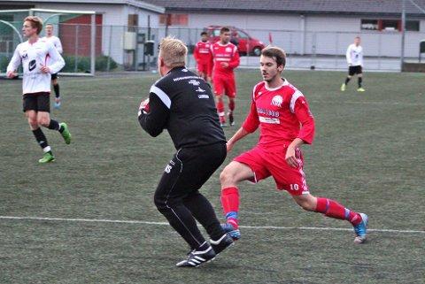 TAPTE: Kjetil Hjelmtveit sprang og sprang, men fekk ikkje utteljing då NBK tapte 1?4 heime mot botnlaget Norheimsund onsdag.