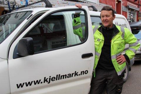 FORSTÅELSESFULL: Nilsgård har jobbet for Kjellmark nesten like lenge som han har jobbet med fotballen og takker for en forståelsesfull arbeidsgiver. (Foto: Jon Høsøien)