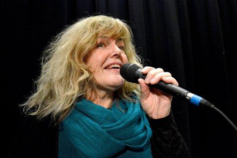 ALLTID SUNGET: Siv Anita Strickert har sunget siden hun var barn. Nå har hun eget band som hun langserte CD med i høst. (Foto: Guril Bergersen)