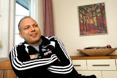 MYE PÅ HJERTET: Det er alltid interessant å snakke med Dag-Eilev Fagermo. Odd-treneren elsker å prate om fotball, men han har også mye annet på hjertet. Visste du for eksempel at han er vararepresentant for Høyre til kommunestyret?