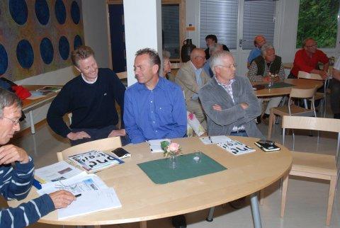 Fra et tidligere møte om Holmenutbyggingen. F.v.) advokat Øyvind Sletten, Arne Lindstøl og Helge Hugo Haugen, adm. dir. i Buer Propsjekt AS.