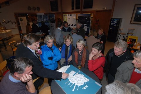 Arkitekt Odddvar Johansen fikk også atskillige spørsmål  fra fremmøtte.