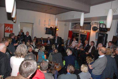 Det var en tettpakket stemning på Brygga under debatten. Mange måtte snu i døra. Det lover godt for interesen rundt verneplanen når den skal  revideres senere  år!