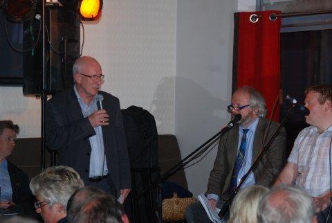 Ex Agderpostenredaktør Stein Gauslaa var debattleder