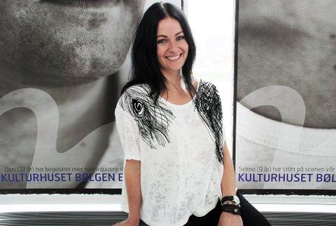 Egil-fan:Kamilla Krane Martens er salgs- og markedsansvarlig i Bølgen. Hun er svært fornøyd med at Larvik er et av tolv utvalgte steder Bare Egil Band spiller på sin kommende turne.