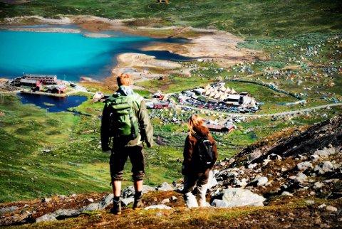 MASSE MULIGHETER: Vinjerock inviterer til alt fra spreke toppturer til kajakkurs og vandringer i lokalmiljøet. FOTO: SINDRE THORESEN LØNNES