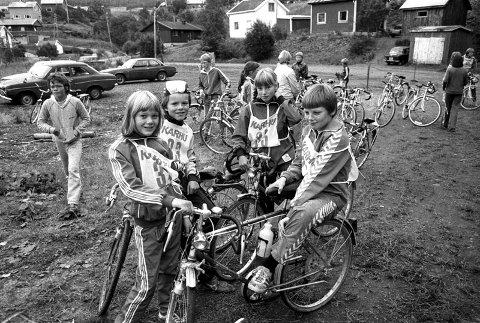 TIDLIGERE:   Slik var det i Marka Rundt rundt i 1982. Hege Nilsen, Pål Ø. Angermo, Kirsti Severinsen og Eirik Haugberg var på sykkeltur.