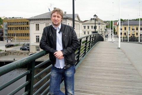 SLT-koordinator Lars Pedersen Dues prosjektstilling er gjort fast etter et vellykket arbeid mot ungdomskriminalitet i Halden. Arkiv.