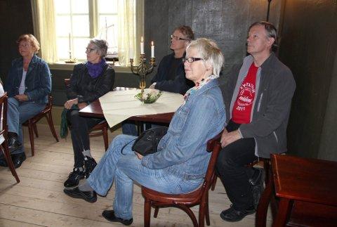 På husvandring: Torill Eriksen Vibe (f.v.), Eigil Wessel, Ivar Ketilsson og Anne Berit Smedstad deltok på husvandring på Tollerodden.