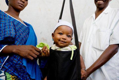 I flere av de landene Plan arbeider, dør så mange som ett av åtte barn før de fyller fem år. Ved å gi alternative julegaver, bidrar du til at dette barnet får en trygg og god oppvekst.