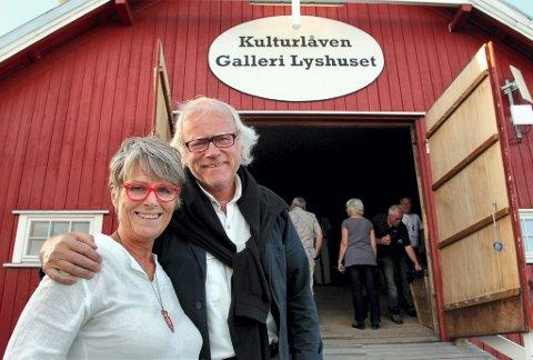 August og juni: Lederen for Børliselskapet og Junikveld på Børli, Sverre Eier, sammen med kvinnen bak ideen om augustkveld i Lyshuset, Kjersti S. Gjermundrød. FOTO: FREDE Y. ERIKSEN