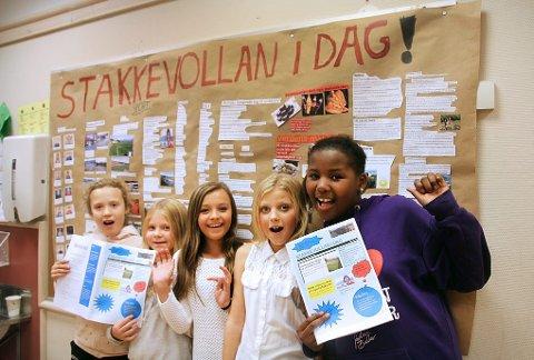 LAGET AVIS: Denne gjengen bidro med veggavis og film. Fra venstre: Martin Ellingsen, William Nyvold Larssen, Royer Søderolm, Luma Kadhim, Ronja Henriette Sørensen og Mari Thomassen.