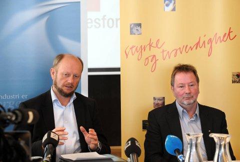 Stein Lier-Hansen (t.v.) mener 50 øre timen er nok. Det er neppe Fellesforbundets Arve Bakke enig i.