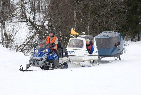 Scooterfører Geir Langeland fra Arna og Åsane Røde Kors er en populær mann under Aktive dager. -Vi har aldri problemer med å fylle disse vaktene, for det er så kjekt å være med på, sier han.