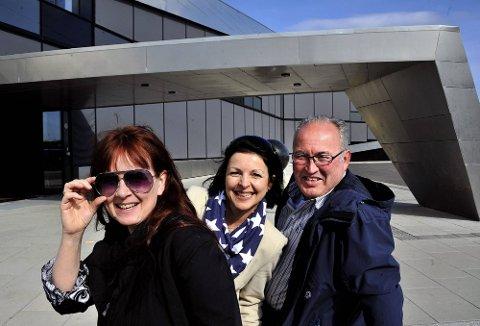 GLEDER SEG: Prosjektleder Bente Jæger (midten) og turistsjefene i Fredrikstad og Sarpsborg, Maya Nielsen og Pål Antonsen, gleder seg til å vise internasjonale reiseoperatører Inspiria og andre severdigheter i Østfold.