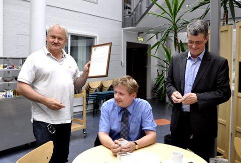 Harald Heggelund, Alf-Ole Berglund og sjakkdommer Karl-Johan Rist.
