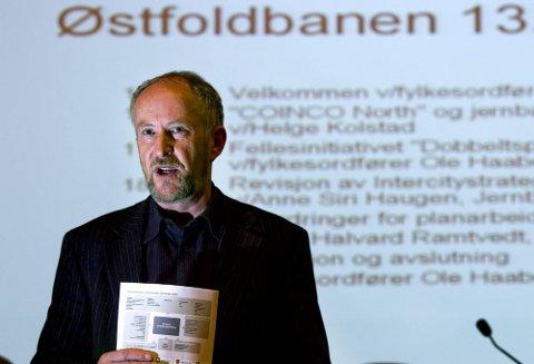 SAMLER TROPPENE: Fylkesordfører Ole Haabeth forsøker nå å samle de politiske troppene til innsats for dobbeltspor på østfoldbanen. (Foto: Johnny Helgesen).