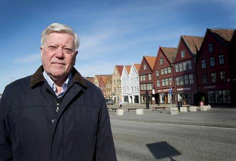 Eiler Macody Lund og Frp vil ikke ha Bybanen over Bryggen. Nå går det mot tidenes politiske krig i Bergen.