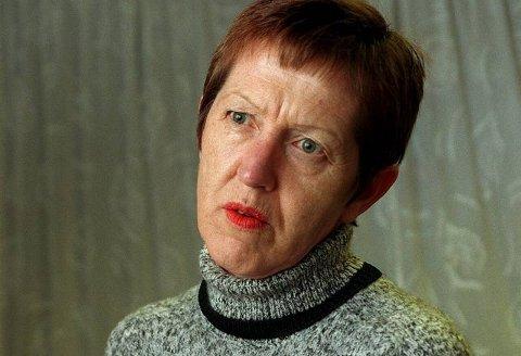 FRONTFIGUR: Tove Smaadahl (55) mottok LO-prisen på vegne av Krisesentersekretariatet, men det er ingen tvil om at hun er sekretariatets frontfigur. ? Jeg har ingen planer om å slutte. Så får vi se hvor lenge helsa holder, sier hun. Arkivfoto