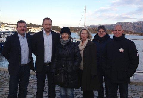 Kystvegen Måløy - Florø AS. Frå venstre styreleiar Karl Vidar Førde, Bengt Solheim Olsen, Jorunn Frøyen, Janne Midtbø, Reidar Sandal, Morten Hagen.