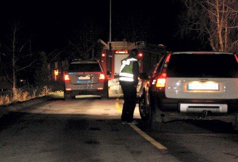 Politi og brannvesen stengte torsdag kveld av området rundt stedet på Klett sør for Trondheim Trondheim hvor en person ble funnet død etter påkjørsel. Teknikere arbeidet på åstedet utover kvelden og natten.