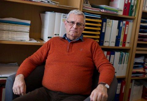 ÅPENHET: Overlege Bjørn Odd Koldsland sier det kan føles som en lettelse for en som har selvmordstanker å få snakke om det.