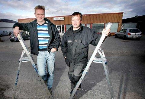 VEKST: I et område med stagnasjon har Sten Rune Pettersen og Henry Opdahl fått det til å svinge i OP Elektro i Lakselv.