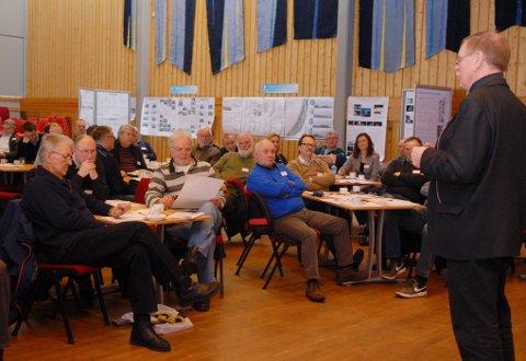 76 deltakere, er mer enn arrangørene regnet med, og tyder på bred interesse for utviklinga av Sortland.