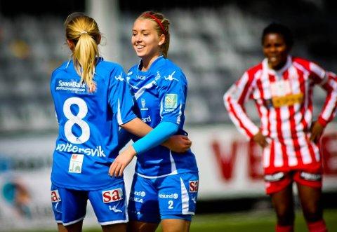 MÅLSCORERE: Både Mia Voltersvik (t.v) og Anne Marthe Birkeland ble målscorere borte mot Linderud-Grei. Her ved en tidligere anledning. Foto: Thomas Andersen.