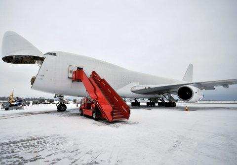 FØRSTE FLYGNING: Sundt Atlanta Skybrigde skal operere denne jumbojet-maskinen fast med frakt mellom Norge og USA to ganger i uken. I dag var det klart for første flygning. FOTO: HANS OLAV NYBORG