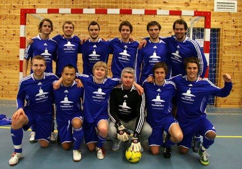 ELITEKLAR: Vegas Futsal-lag kan juble etter helgas turnering i Bergen. Neste sesong spiller laget i eliteserien.