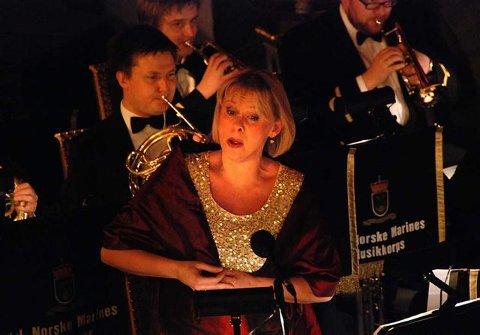 Vakkert: Solveig Kringlebotn trollbandt sitt publikum i Larvik kirke i går med svært nydelig sang. (Foto: Bjørn-Tore Sandbrekkene)