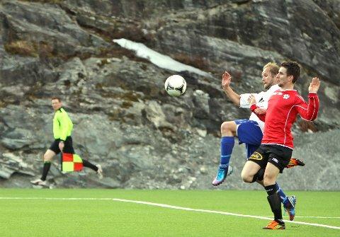 UTE AV DANSEN?: Radøy/manger, her representert ved Ricky Vetås, er truleg ferdig i 3. divisjon. (Foto: Endre Hopland)