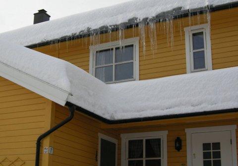 Eldre hus kan oppnå bedre energikarakter og dermed høyere salgsverdi hvis du etterisolerer.