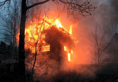 I første halvår omkom 34 nordmenn i branner. Ett av de viktigste forebyggende tiltakene er røykvarslere, men de må være riktig plassert.