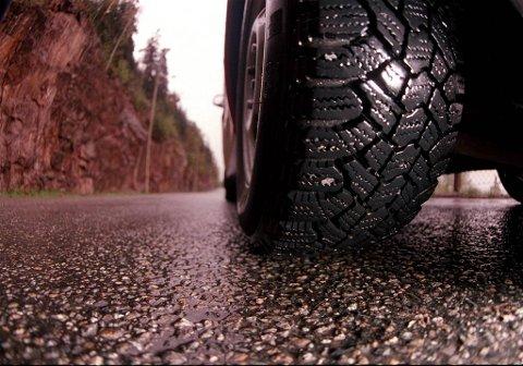 Rundt 17- 18 prosent av bilistene i Tromsø kjører i dag piggfritt. Målet er 50 prosent.