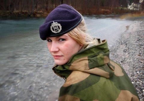 Alice Asplund reagerer kraftig på måten hun ble behandlet på under en feltøvelse på Heggmoen i høst.