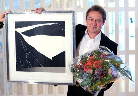 Nyhetsanker Morten Sandøy fikk Kringkastingsprisen 2011 for sin aktive bruk av nynorsk i TV 2-sendinger.